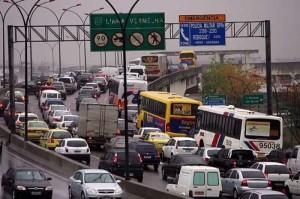 Direção Defensiva passa dicas sobre como lidar com o trânsito caótico