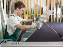 Para se tornar um vidraceiro, é preciso fazer um curso profissionalizante. (Foto: Divulgação)