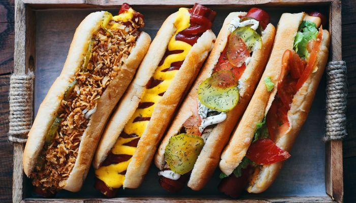 hot dog gourmet